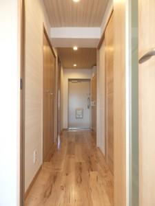 廊下から玄関